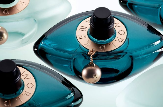 Kenzo World Intense perfume at reastars