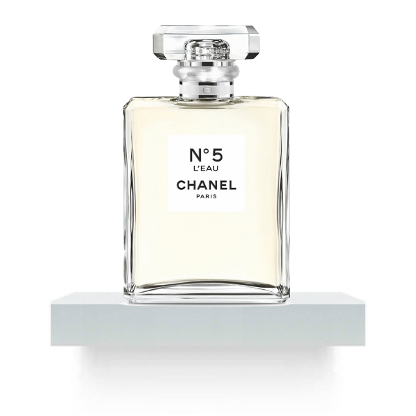 chanel n 5 l eau reastars perfume and beauty magazine. Black Bedroom Furniture Sets. Home Design Ideas